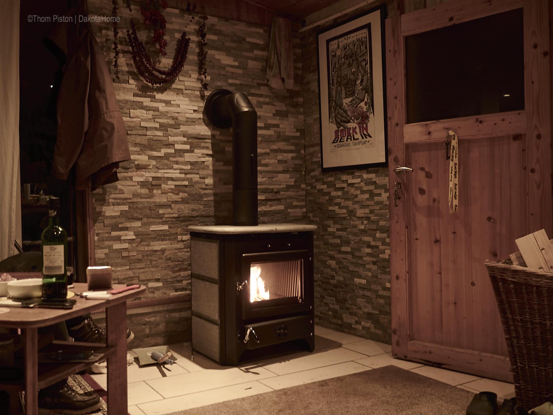 berlin rumfest neuer kamin neues bett und herbst dakota home. Black Bedroom Furniture Sets. Home Design Ideas