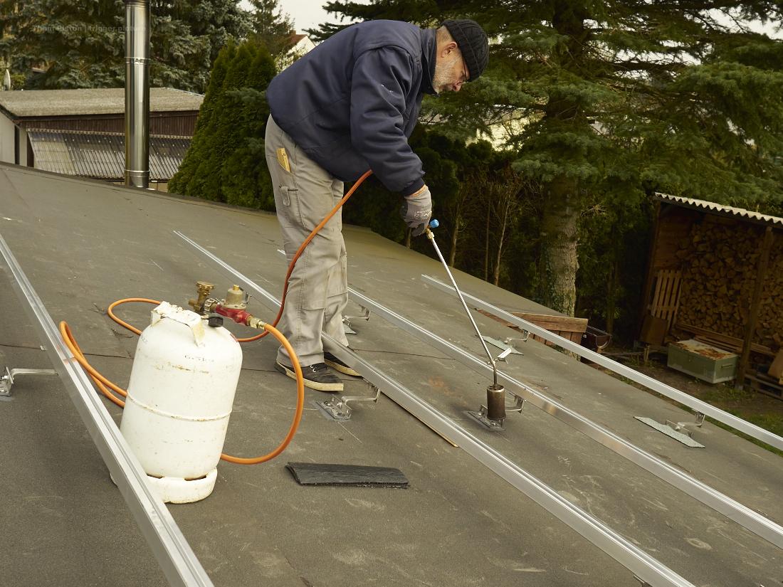 das photovoltaic will aufs dach gebracht werden, dakota home