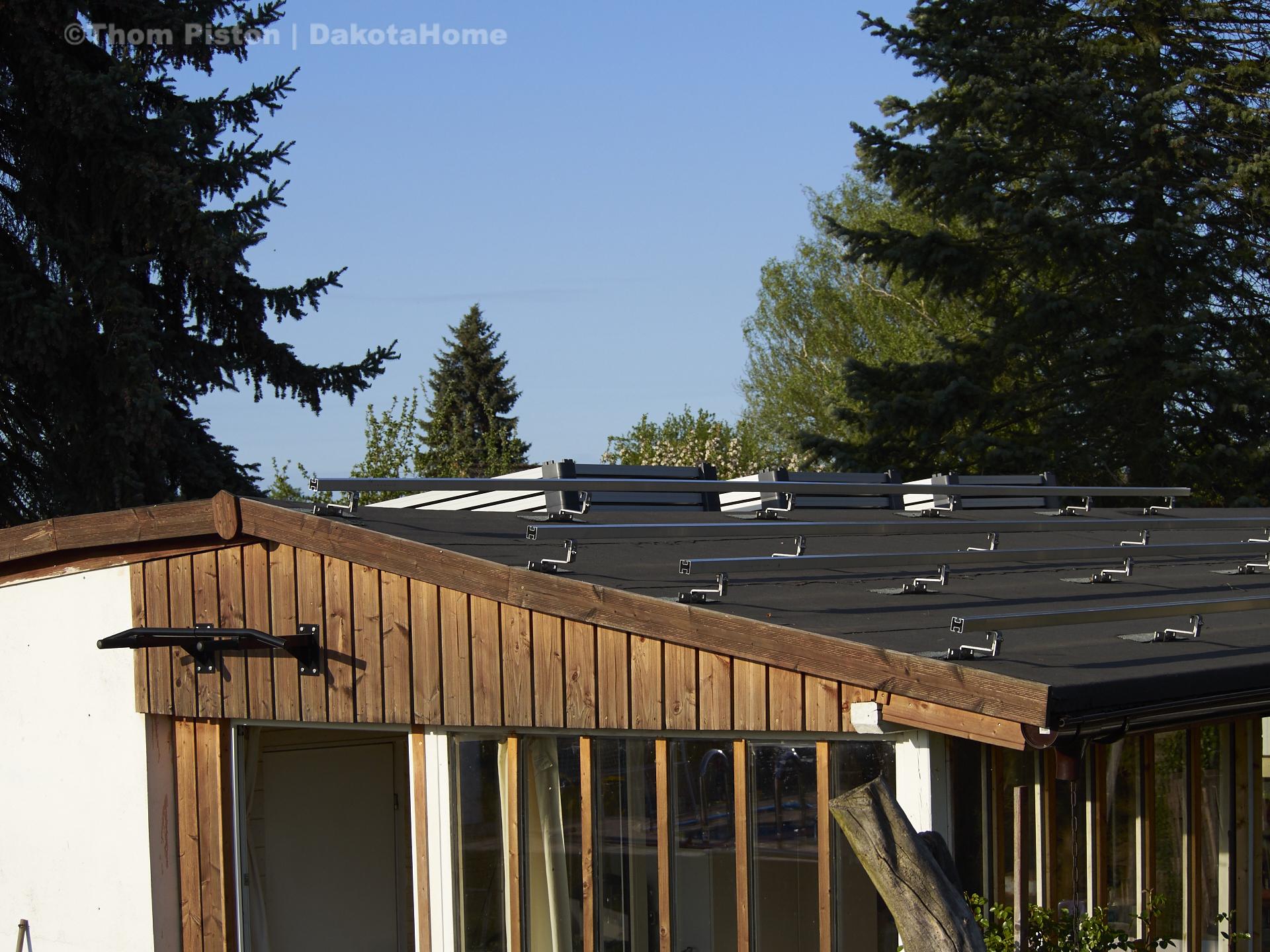 Photovoltaic gestell auf dem dach des dakota home