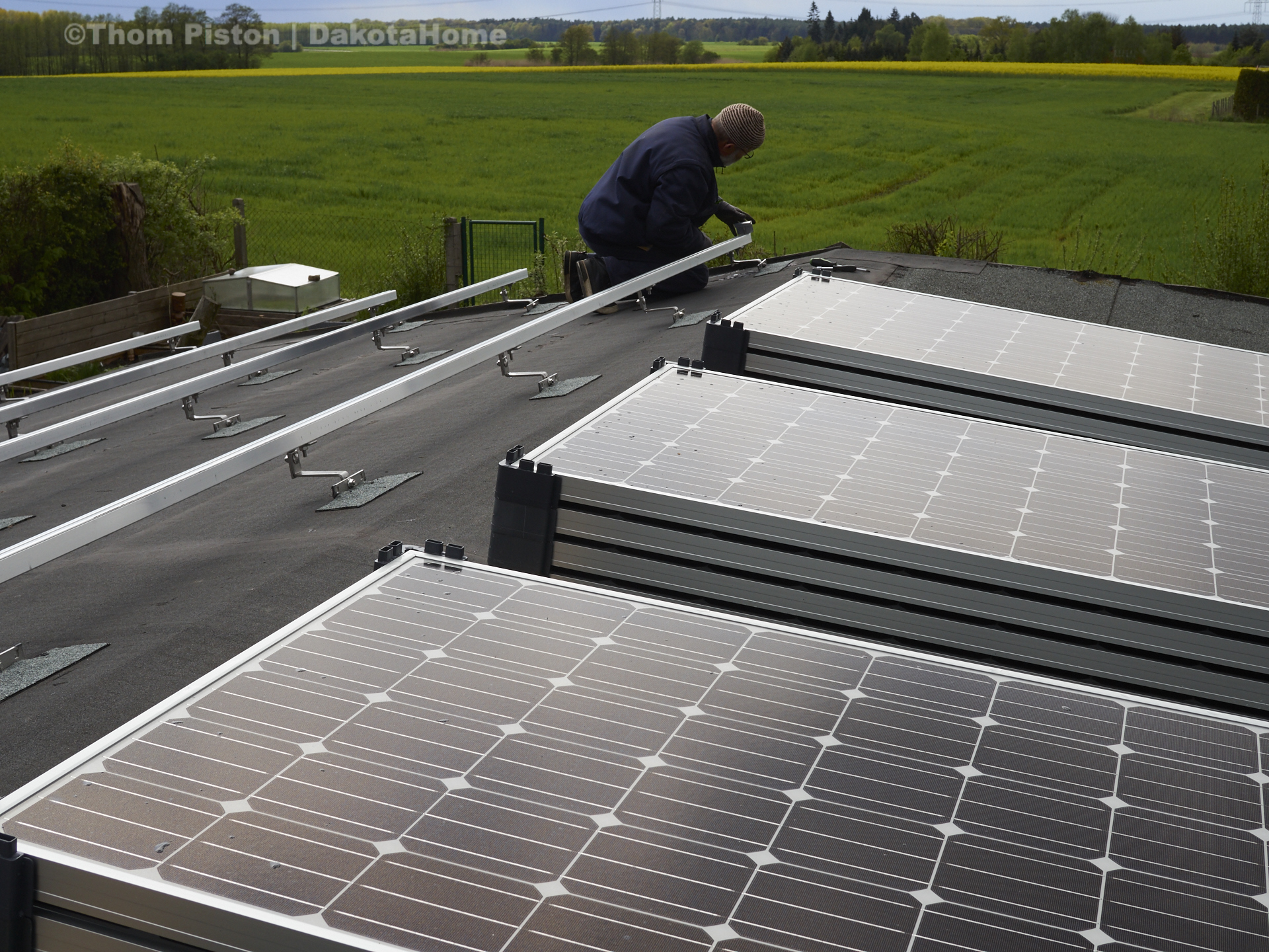 12 Photovoltaic, Solar Panels a 248 watt auf dem dach des dakota home