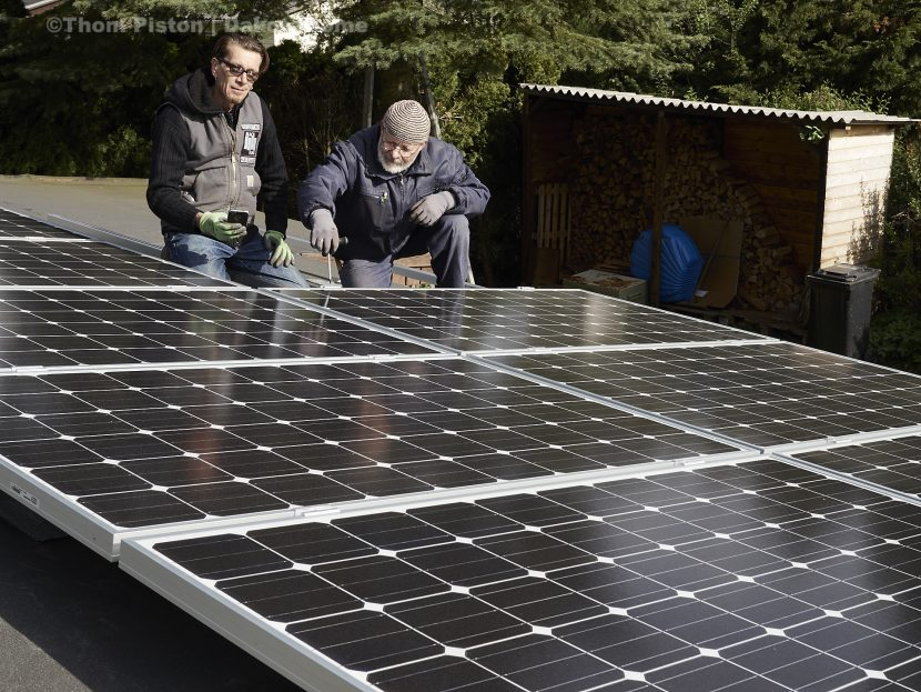 12 Photovoltaic, Solar Panels a 248 watt auf dem dach des dakota home